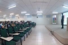 Профессора и студенты на выступлении, посвященном платформе AggreGate. SENAI-SC 15